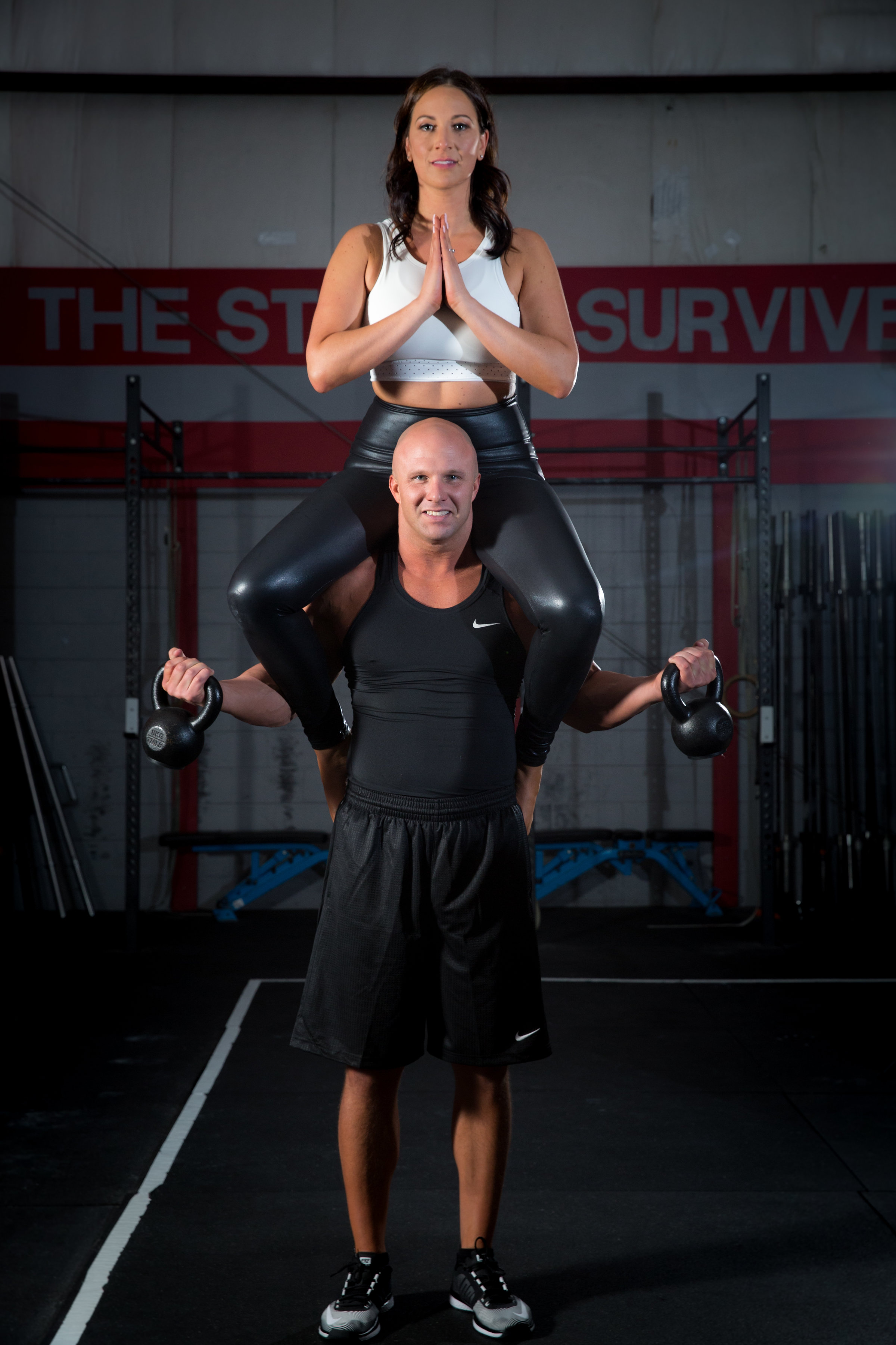 4-eyes-photography-engagement-shoot-couples-working-out-113.jpg