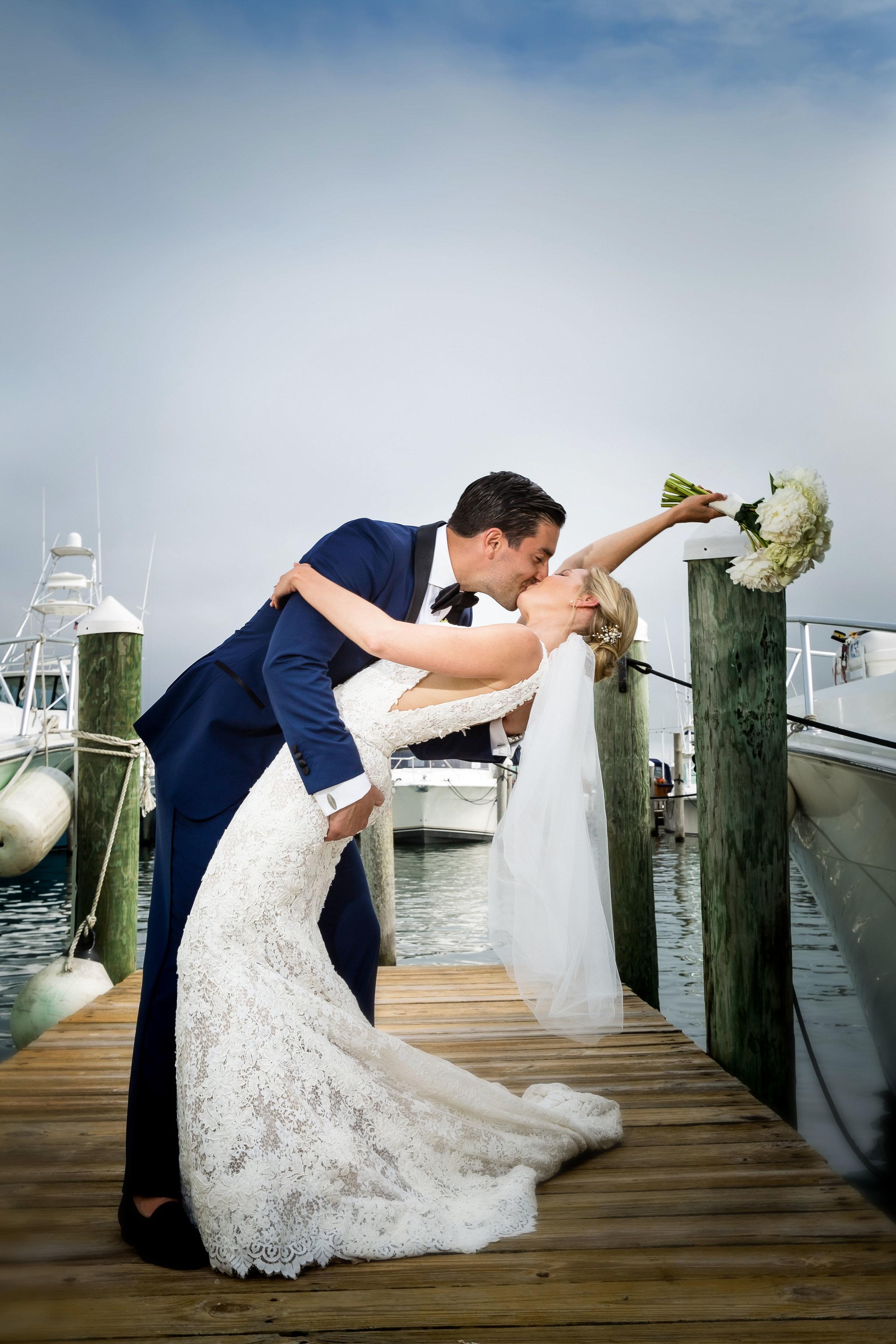 4-eyes-photography-montauk-yacht-club-wedding-best-of0024.jpg
