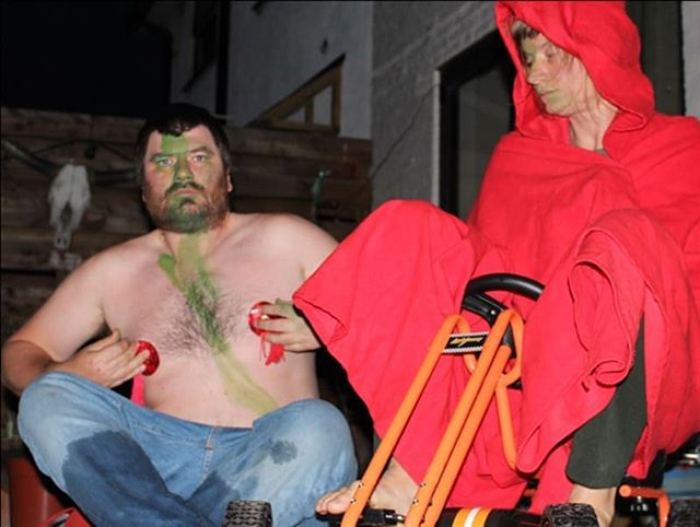 @canibedaniel & Frauke Requardt are presenting DADDERS (in development) followed by Rong Table, rooted in their experiences of their bodies as neurodivergent lovers, parents and weirdo performance makers  Sat 7 April @theplace / £5👇#CareandDestruction