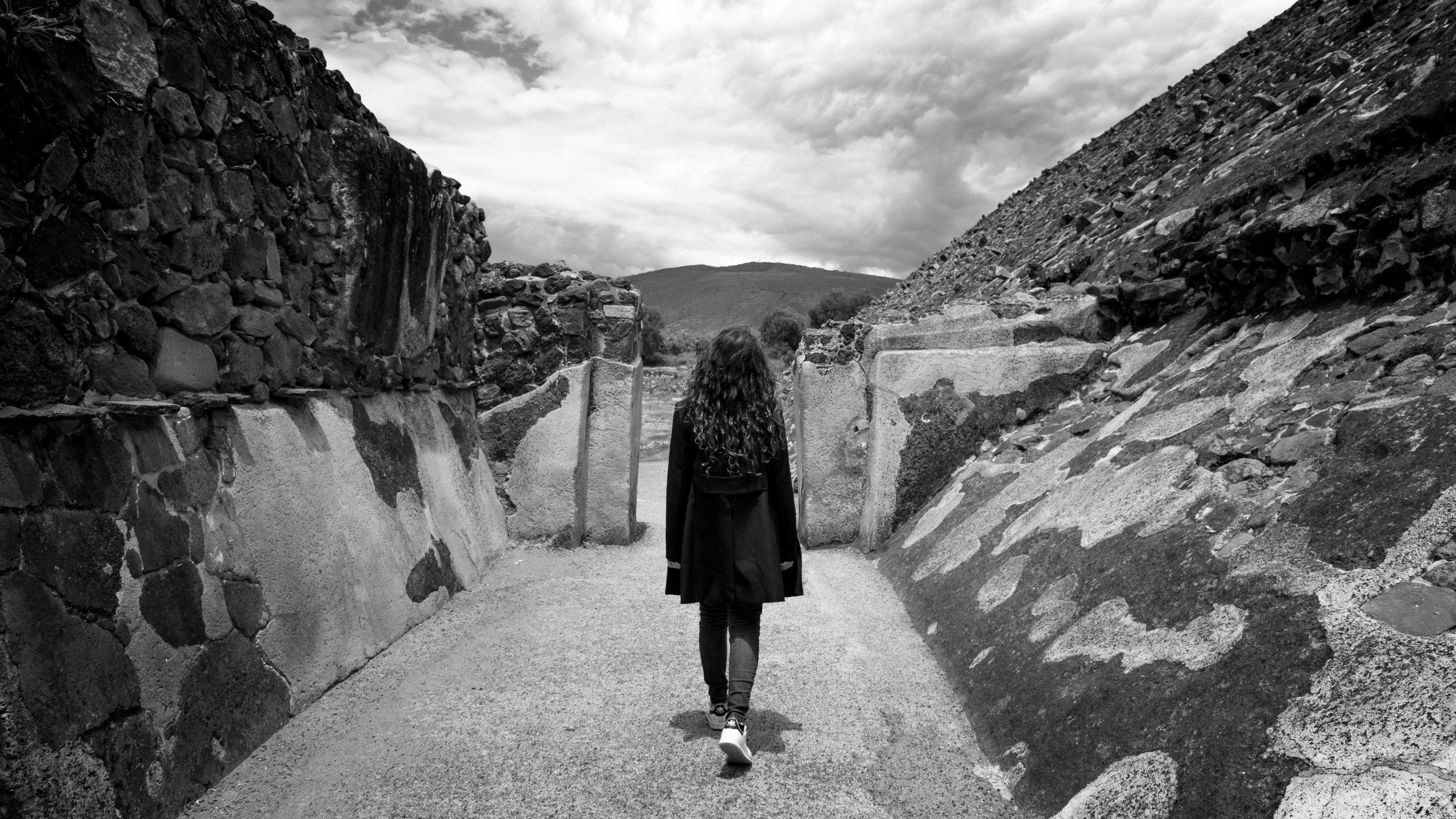 Teotihuacan_Cris_BW.jpg