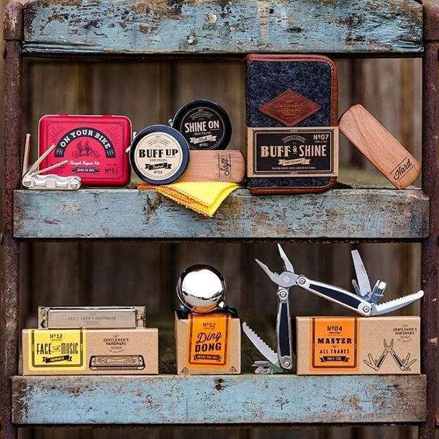 Looking for the perfect Father's day gift?? Come by and grab a trendy and functional gift for all those amazing Fathers out there. @wildandwolfusa @wildandwolf #gentlemanshardware #gentleman #fathersday #fathersdaygifts #trendygifts #man #gifts