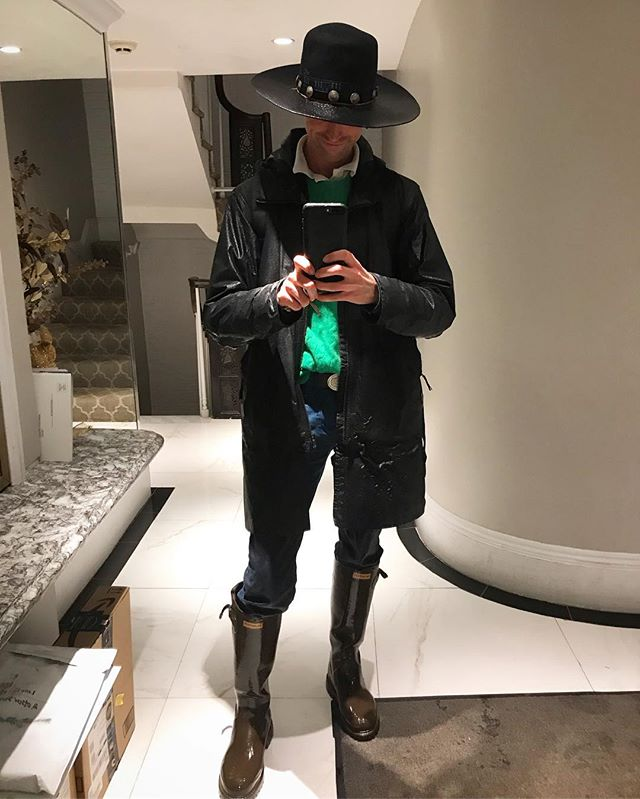 Could be a worse day for showings. Could be raining. . . . . . . #rain #realestate #soaked #drenched #mop #wet #precipitation #hat #boots #photo #mensfashion #mensblog #style #fashion #styleblogger #realestate #boston #backbay #lifestyle #luxury #lifestyleblogger #bostonblogger