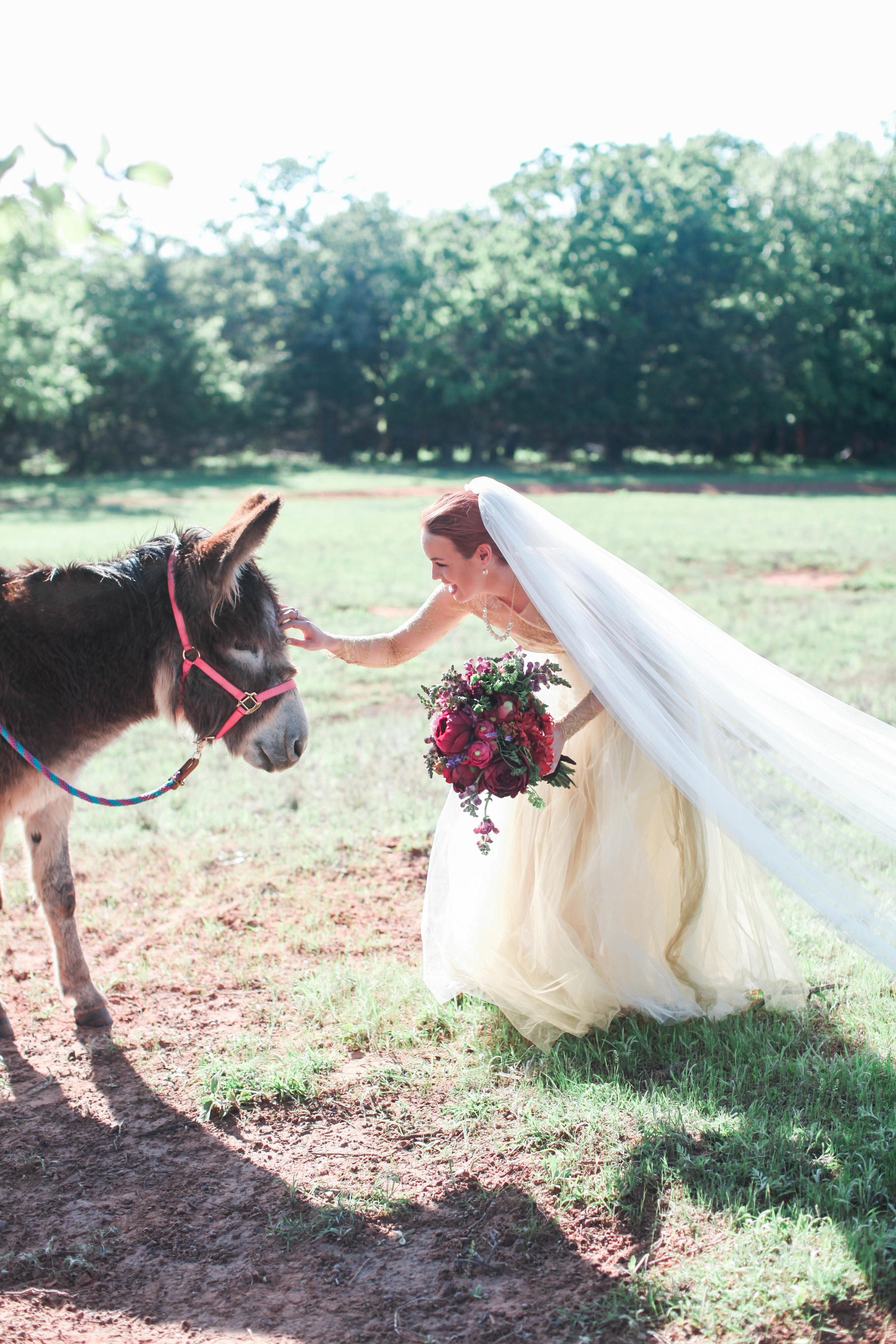 im_kristen_ree_ladd_drummon_pioneer_woman_wedding (10 of 125).jpg