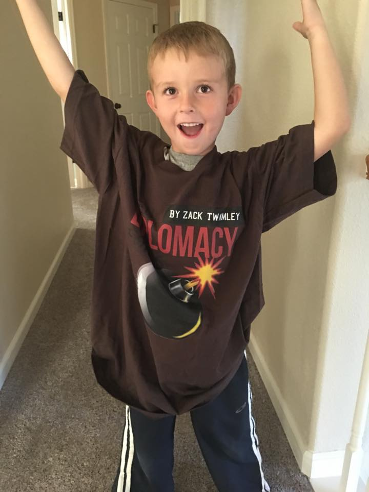 Thanks to listener Adam for showing us how his young lad rocks the WDF tee!