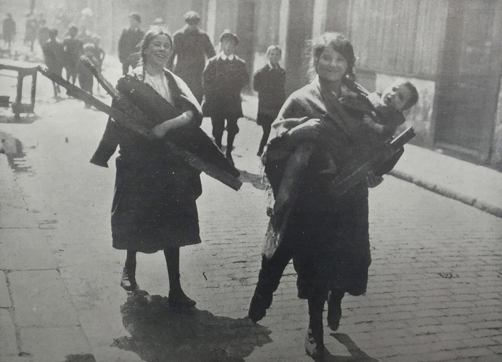 1916-Guides-civilians-MG.jpg