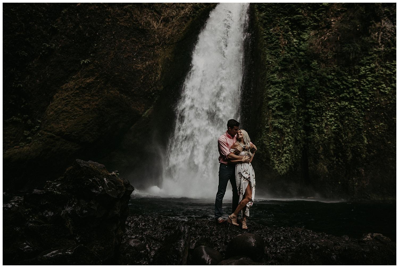 wahclella-falls-engagement_0004.jpg