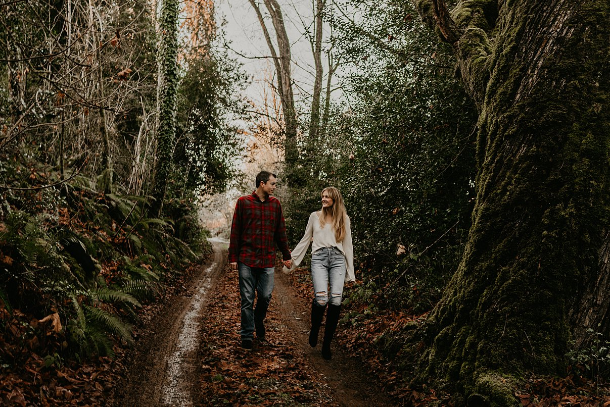 seattle-in-home-engagement-session_0010.jpg
