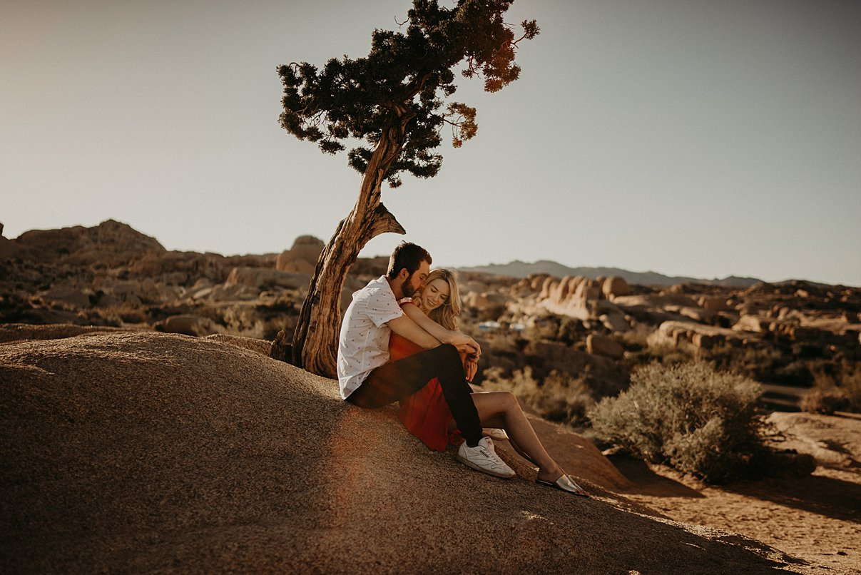 joshua-tree-engagement_0007.jpg