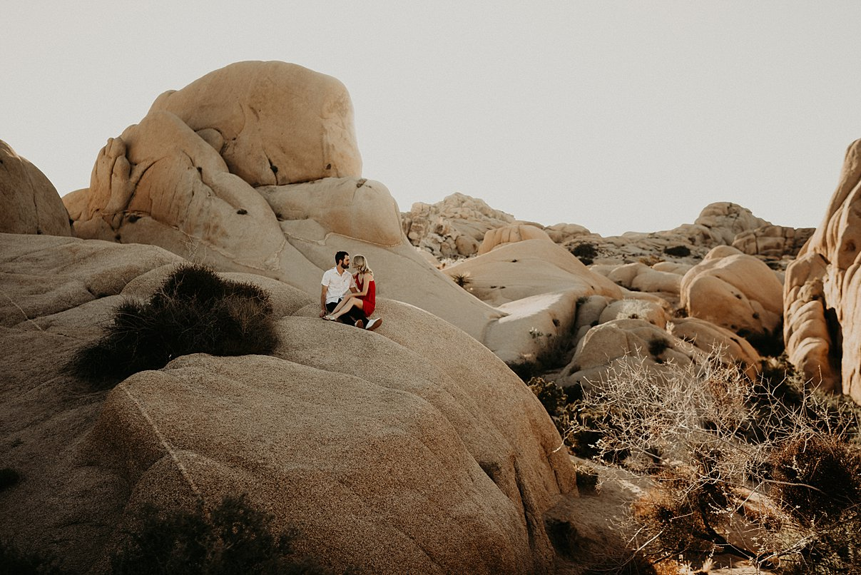 joshua-tree-engagement_0011.jpg