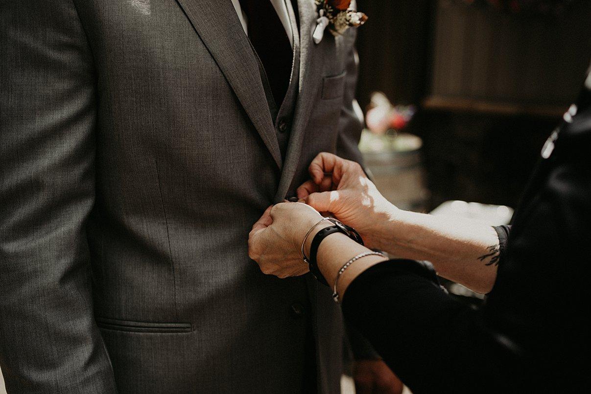 lookout-lodge-wedding_0011.jpg