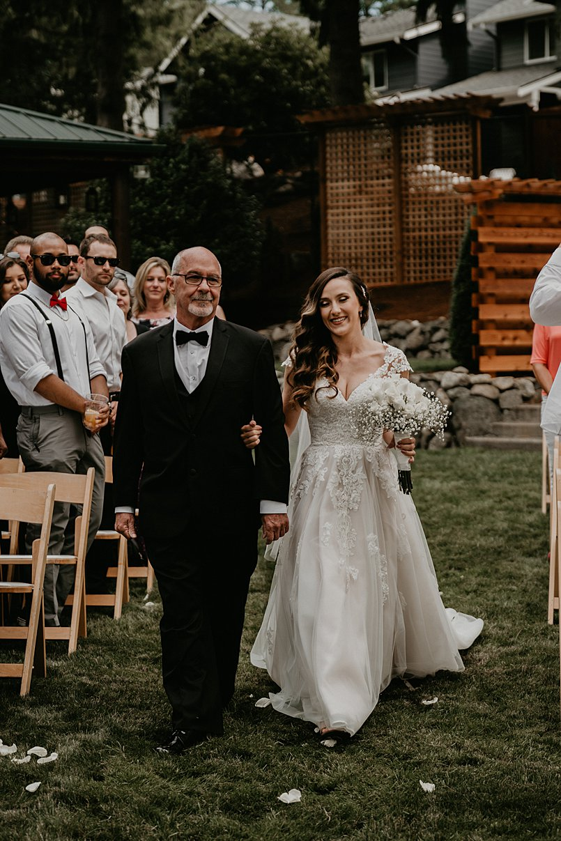 intimate-backyard-wedding_0002.jpg