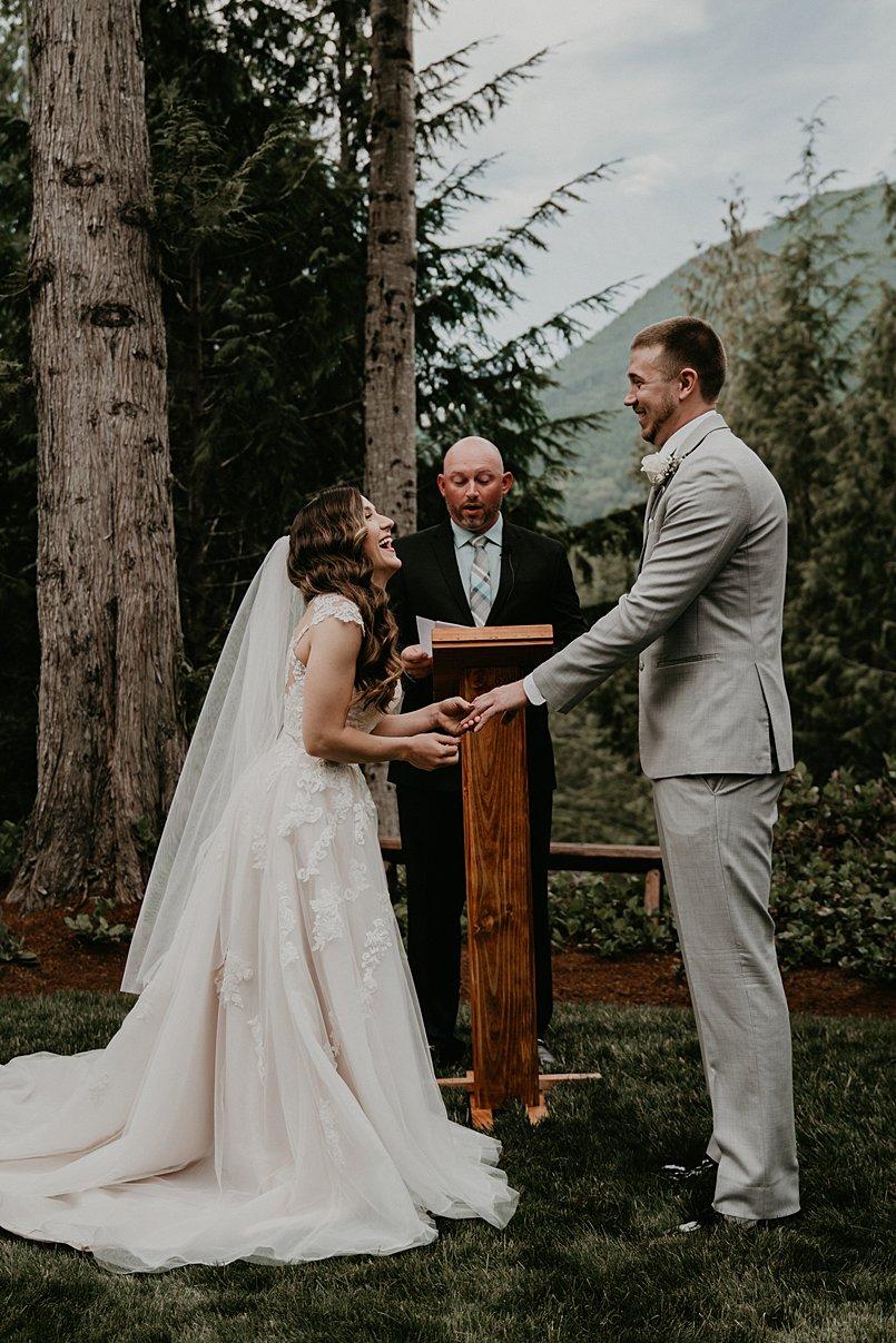 intimate-backyard-wedding_0006.jpg