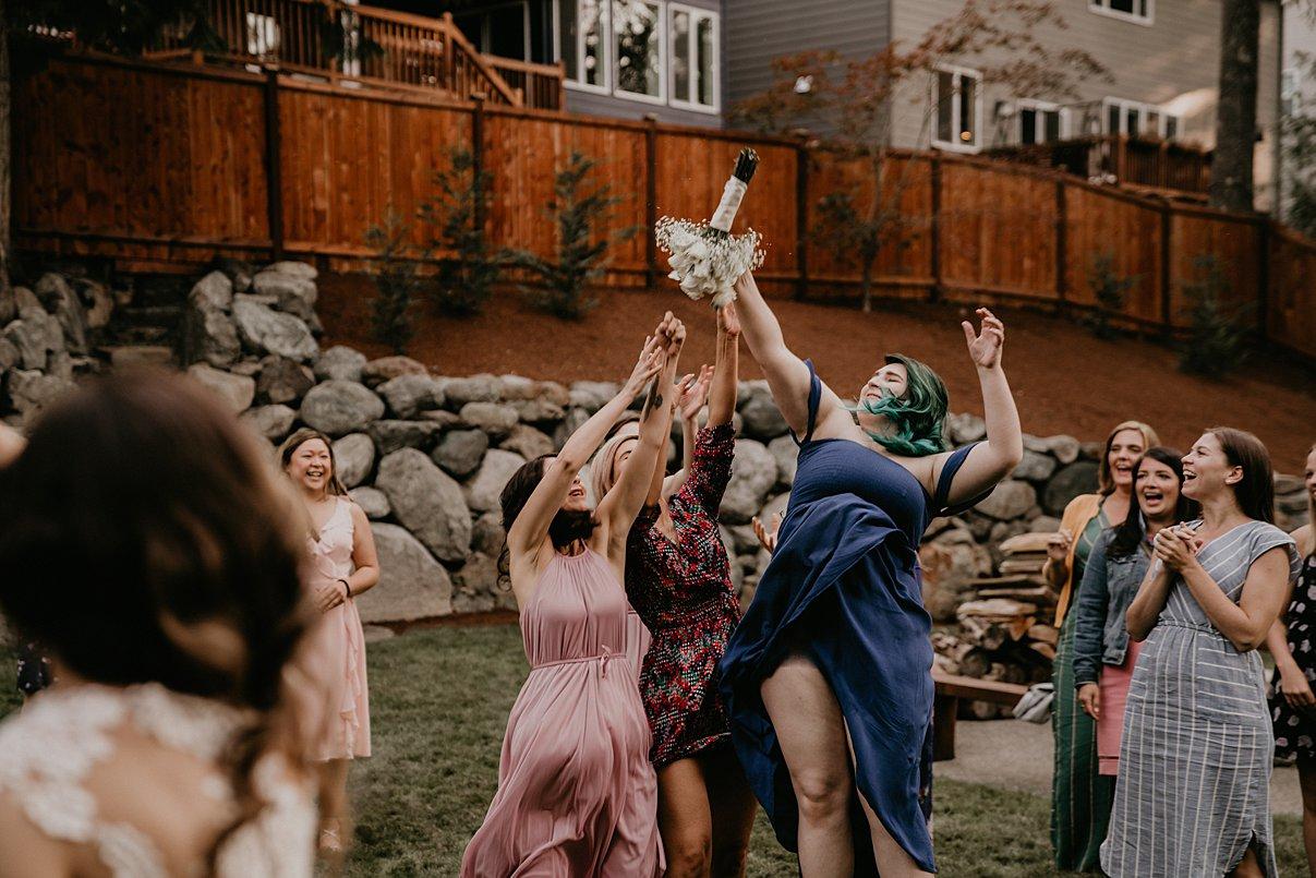intimate-backyard-wedding_0013.jpg