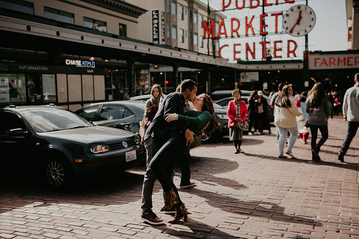 downtown-seattle-engagement-session_0006.jpg