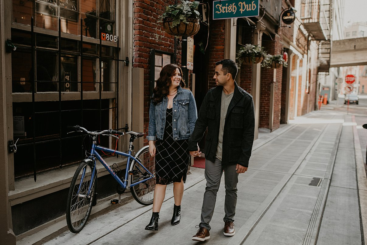 downtown-seattle-engagement-session_0014.jpg