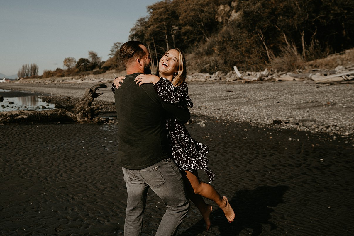 seattle-beach-engagement_0000.jpg