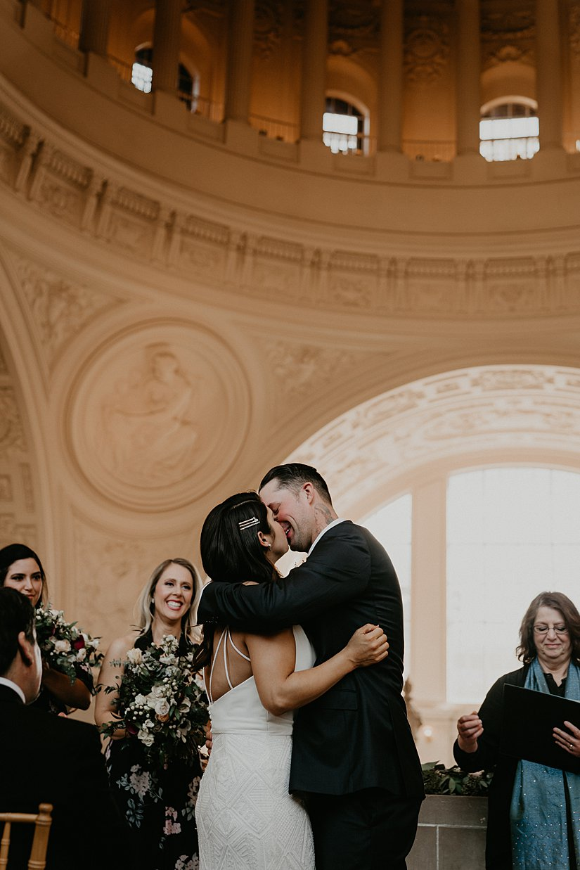 san-fransisco-city-hall-wedding_0008.jpg