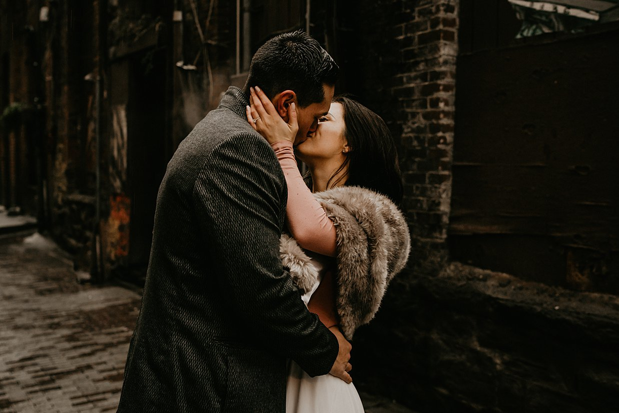 pioneer-square-engagement-session_0002.jpg