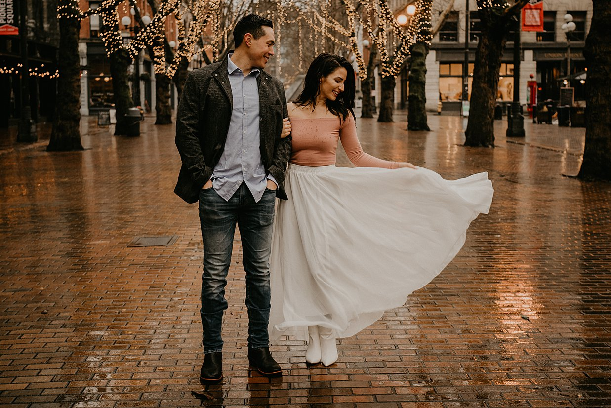 pioneer-square-engagement-session_0010.jpg