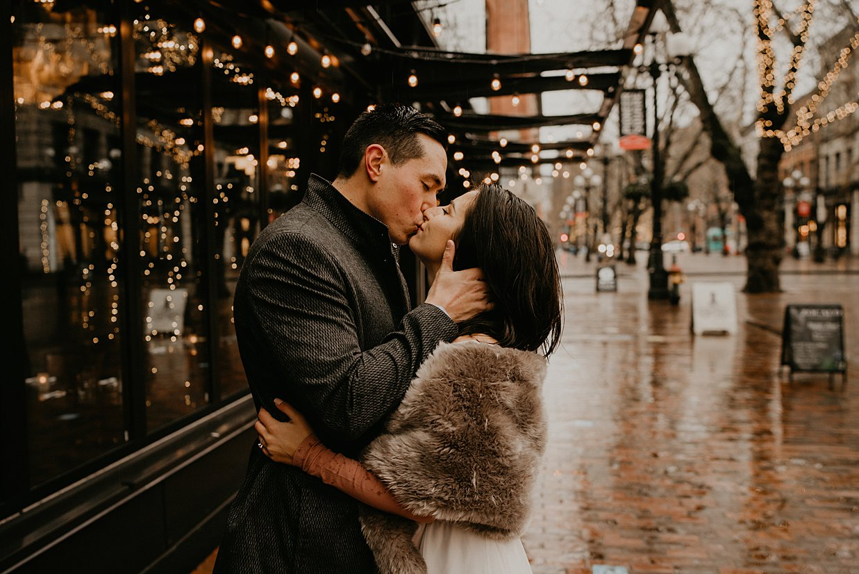 pioneer-square-engagement-session_0013.jpg