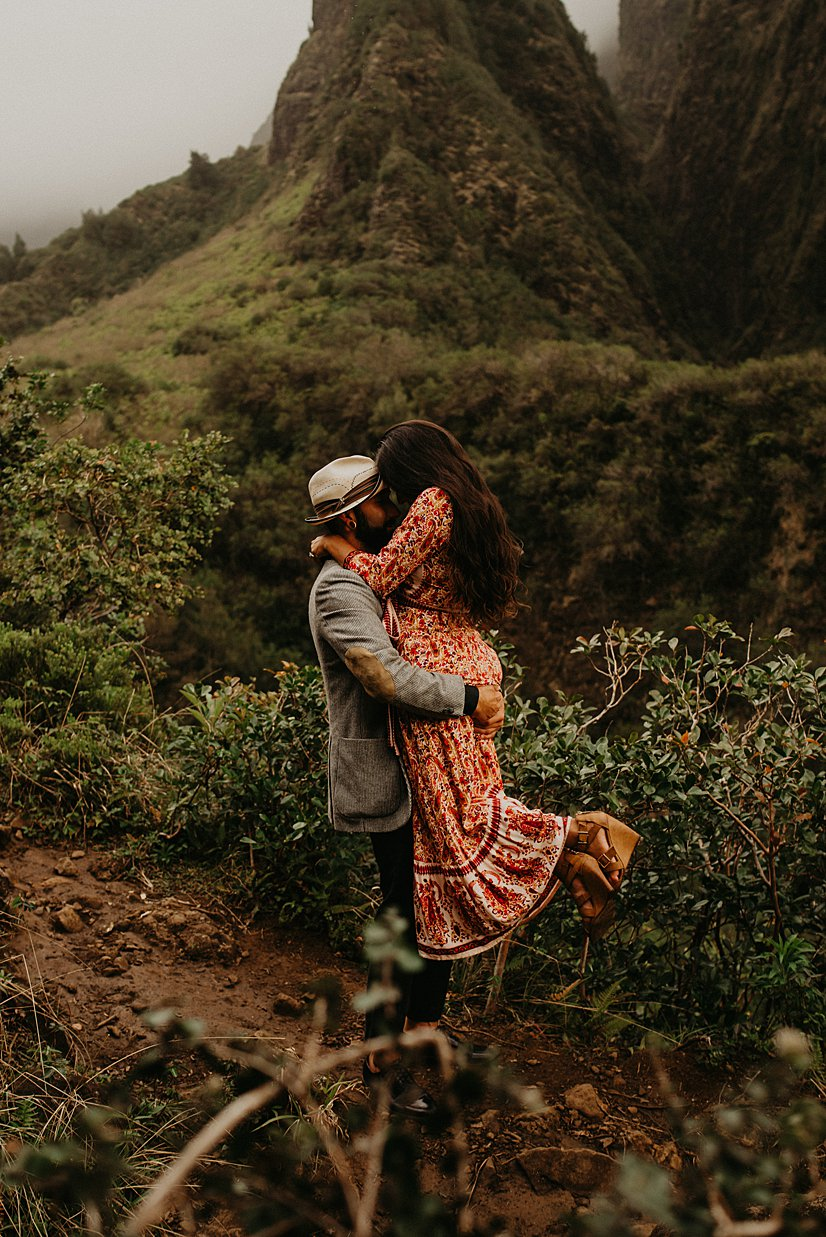 maui-engagement-session-iao-valley_0012.jpg