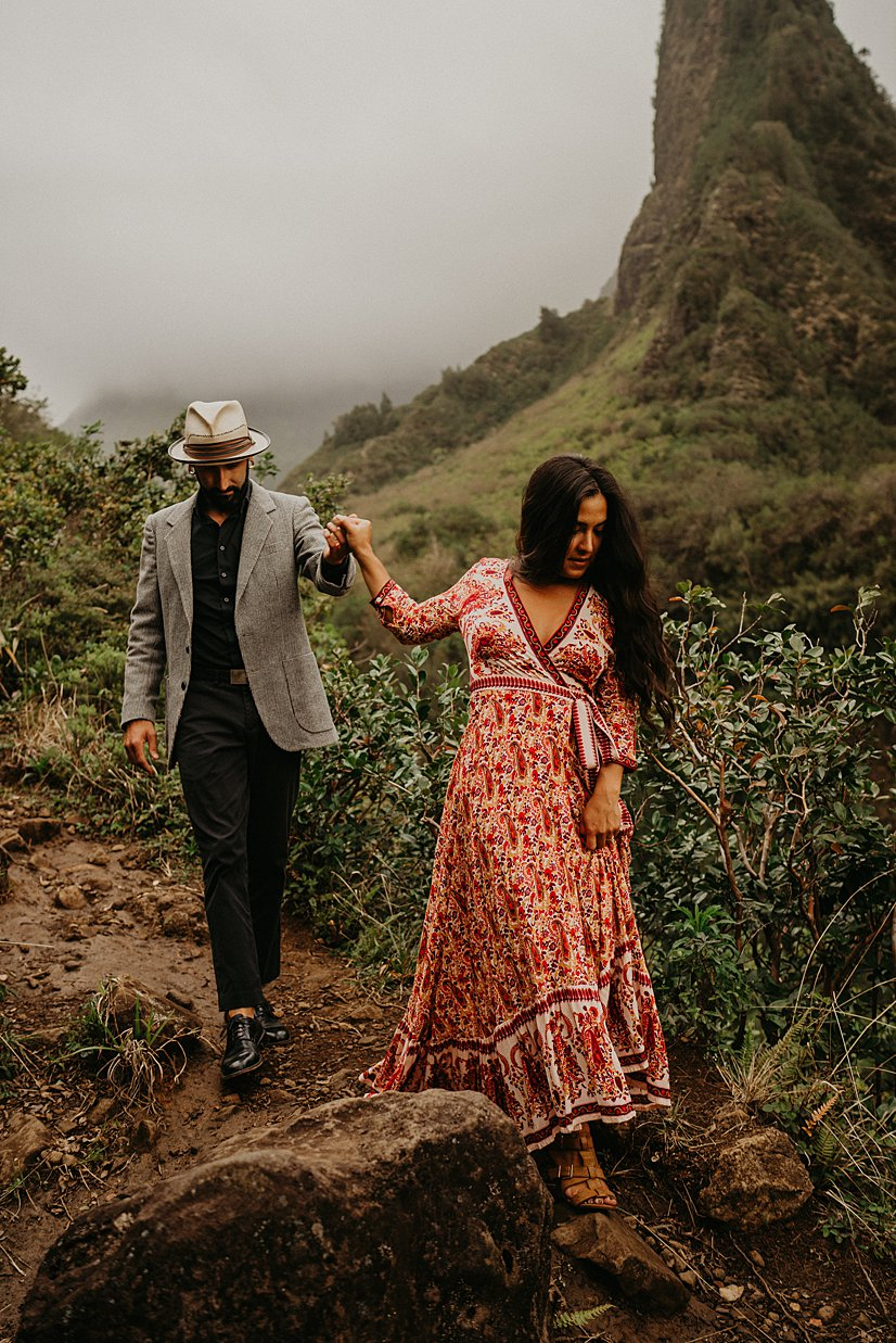 maui-engagement-session-iao-valley_0010.jpg