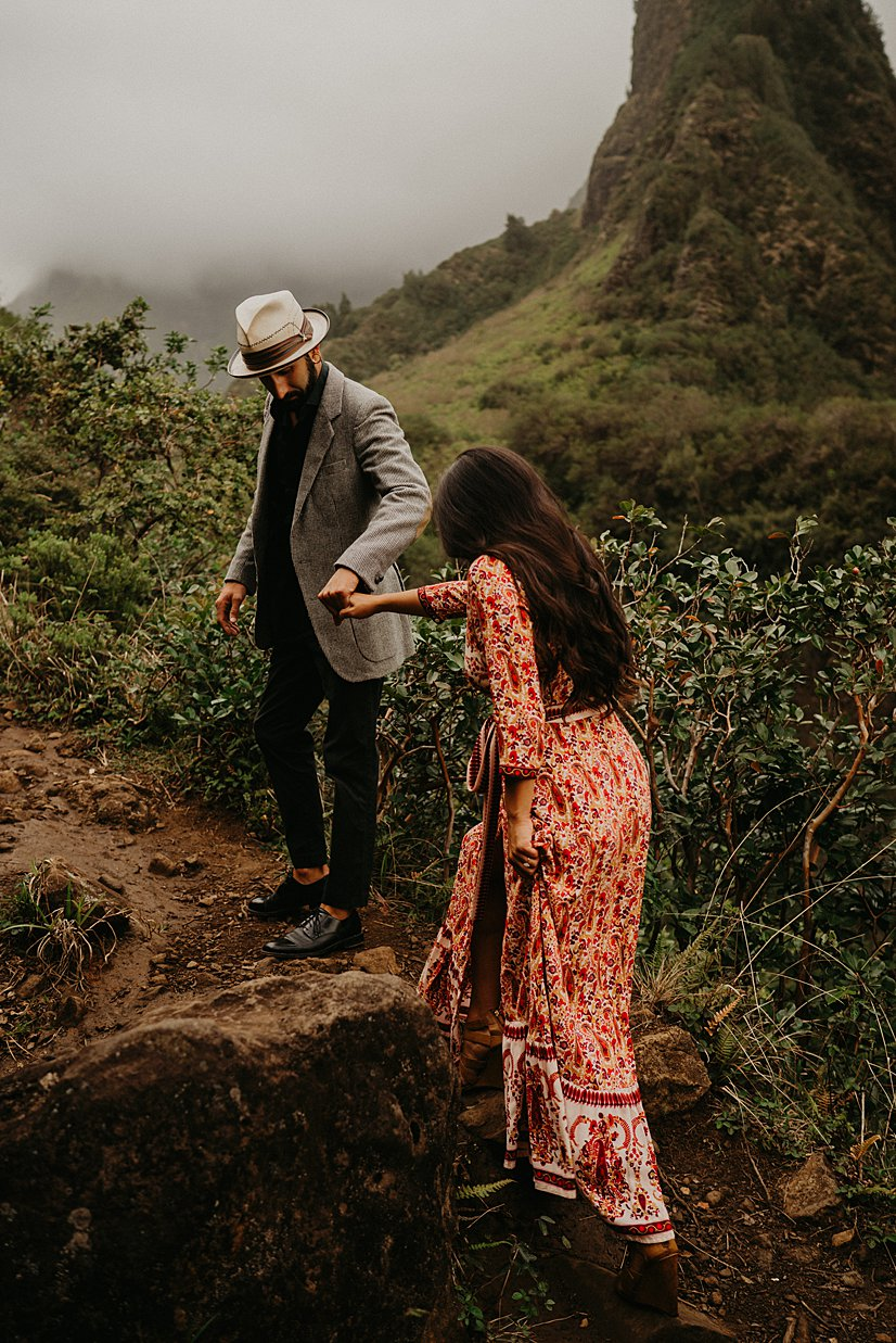 maui-engagement-session-iao-valley_0009.jpg