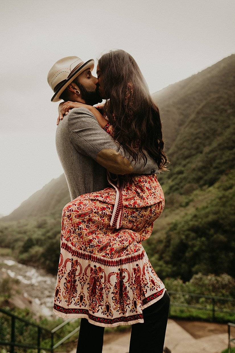 maui-engagement-session-iao-valley_0003.jpg