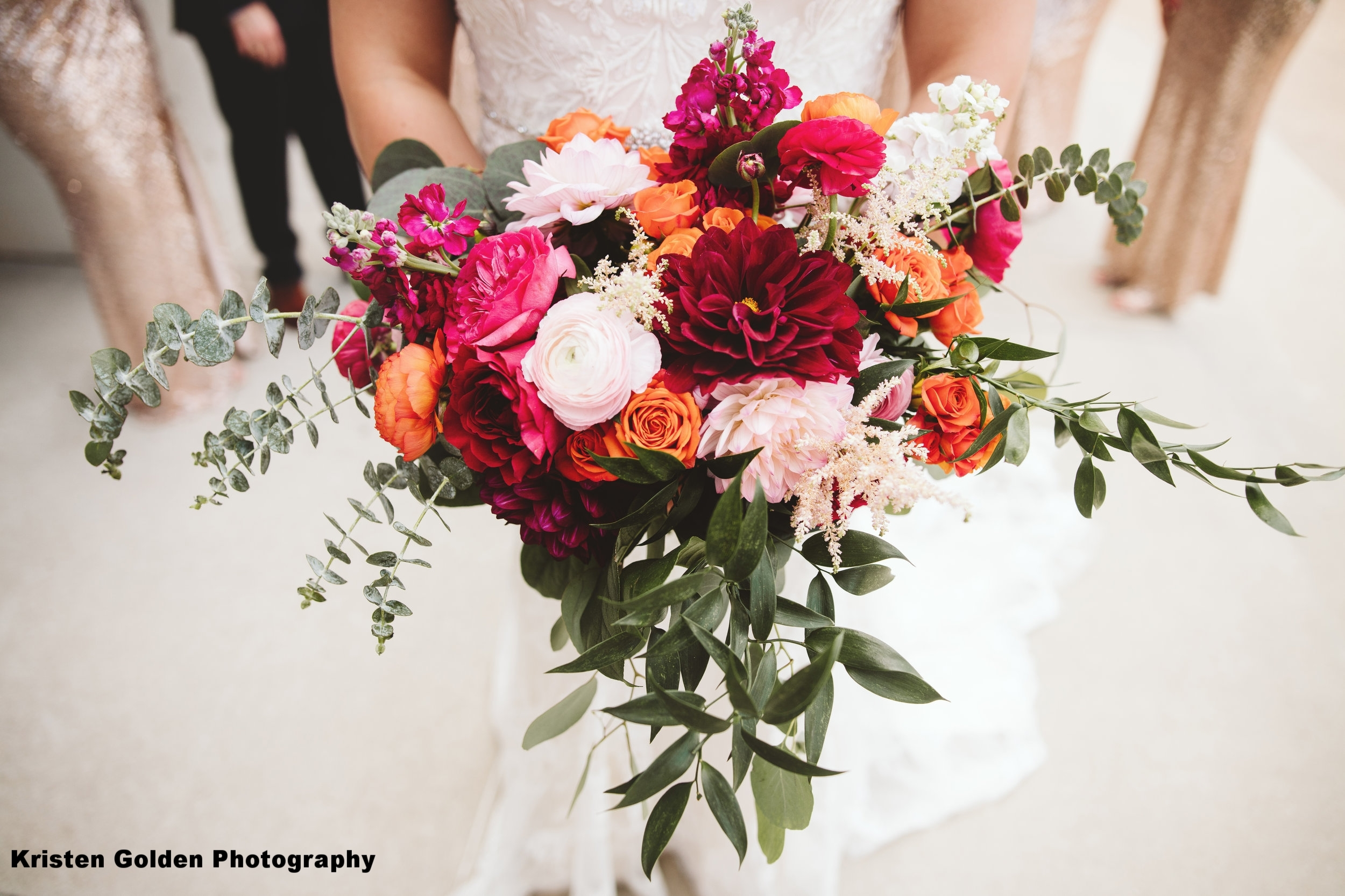 Shades of pink and orange for this beautiful summer wedding