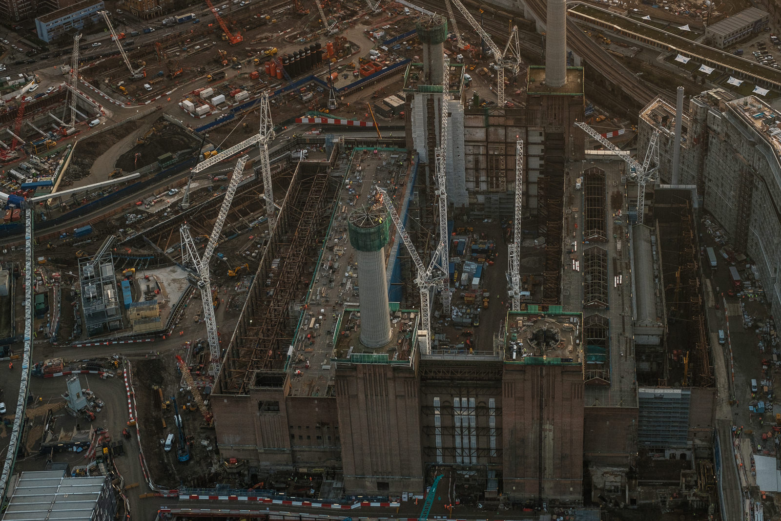 Battersea power station being redeveloped; X-Pro2 ISO640 35mm f5.6 1/1000s