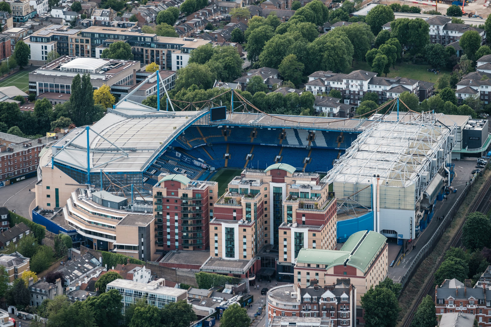 Home of Champions, Chelsea FC -  with 50-140mm f2.8 @115mm, f2.8, iso400, 1/1000s