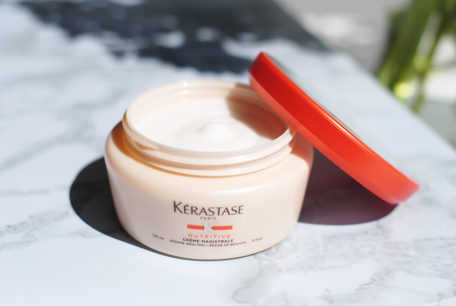 CRÈME MAGISTRALE  This nutritive balm was designed to treat and texturize severely dried-out hair.