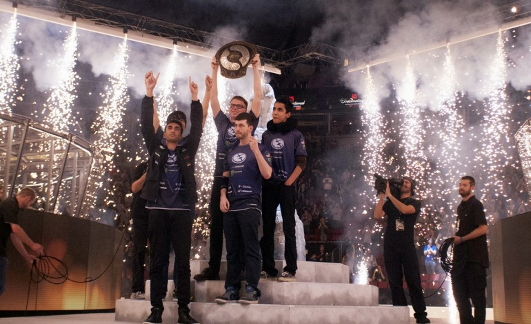 This goes way beyond gaming for fun. Evil Geniuses take home the Aegis trophy at  TI5 .