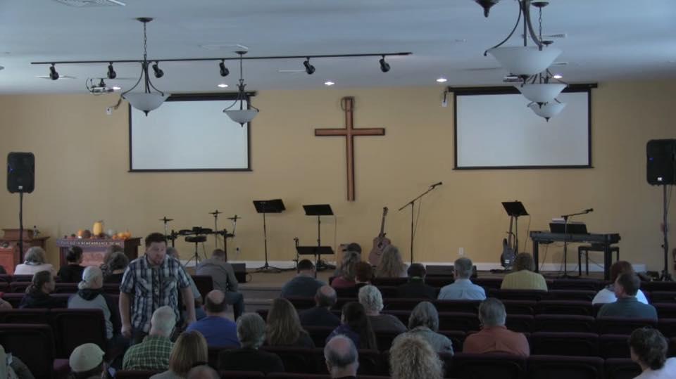 Denver Thompson in church1.jpg