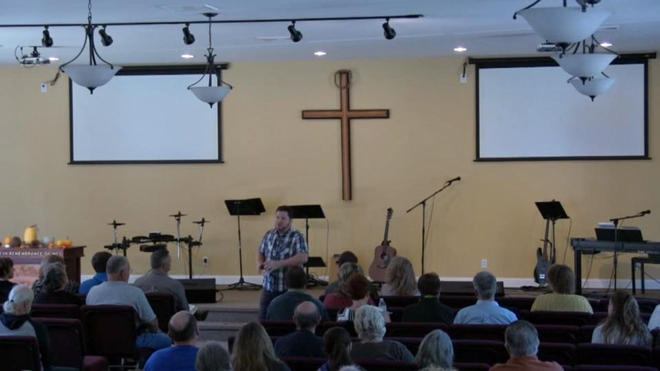 Denver Thompson in church2.jpg