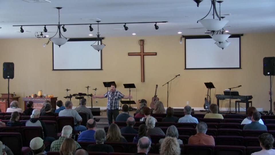 Denver Thompson in church3.jpg