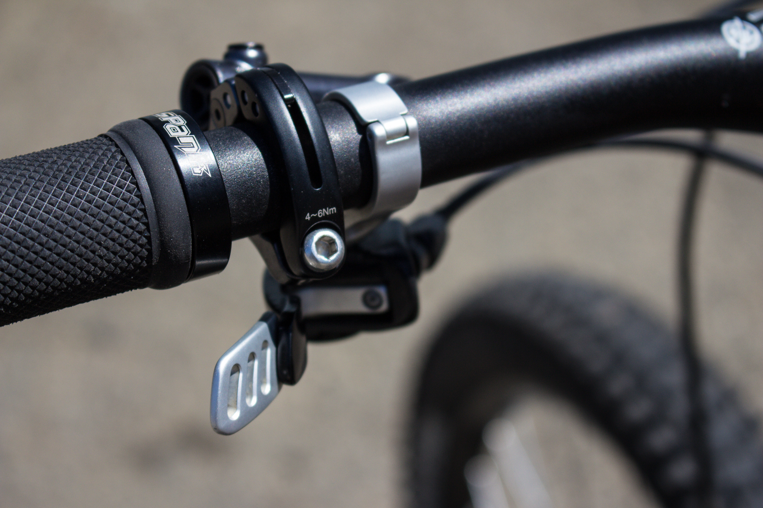 Fox D.O.S.S dropper post and Shimano XTR Race brake levers