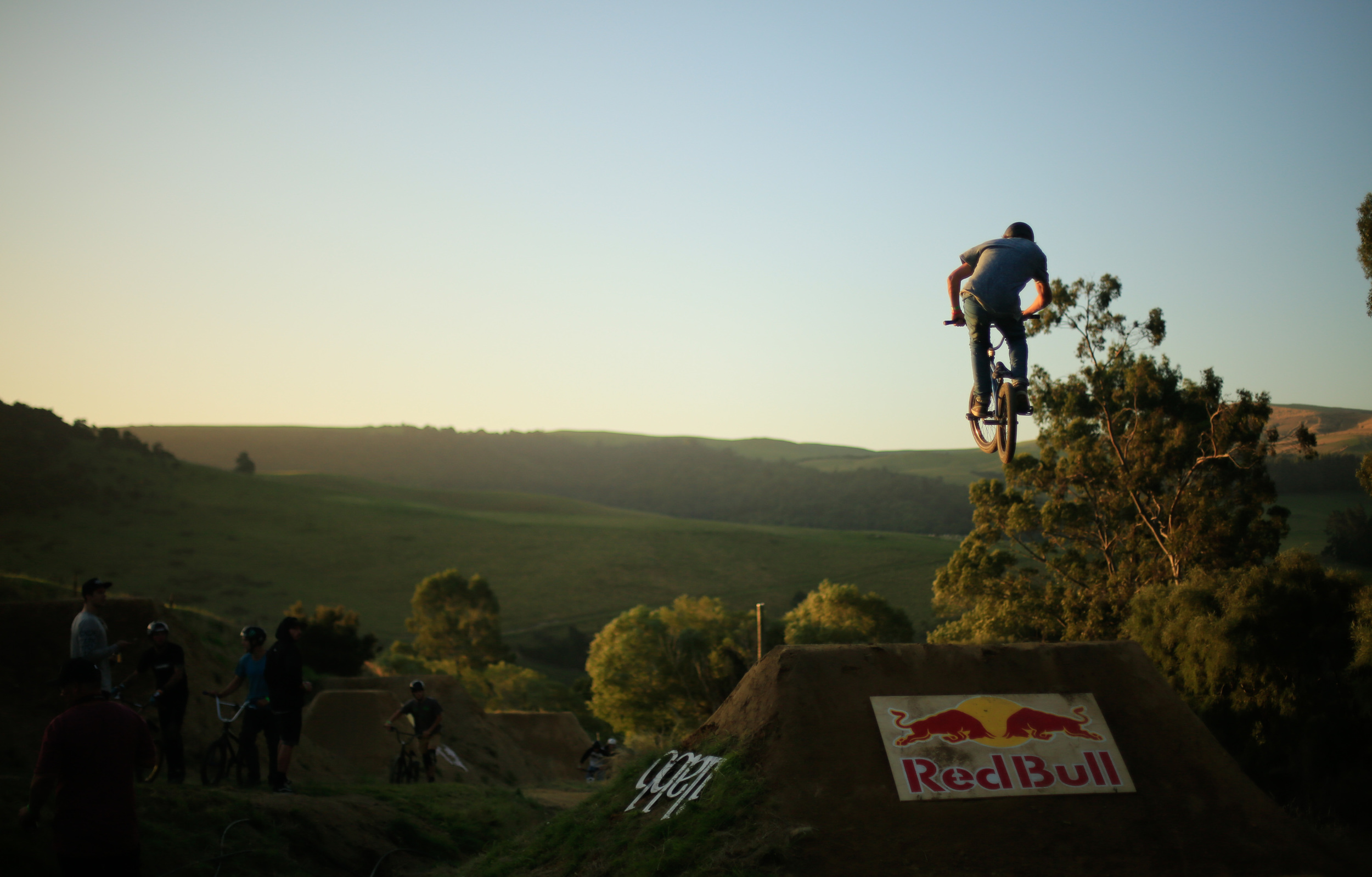 Around 40 riders competed between 3 divisions: the Bros, the Pros, and Mountain bikes.