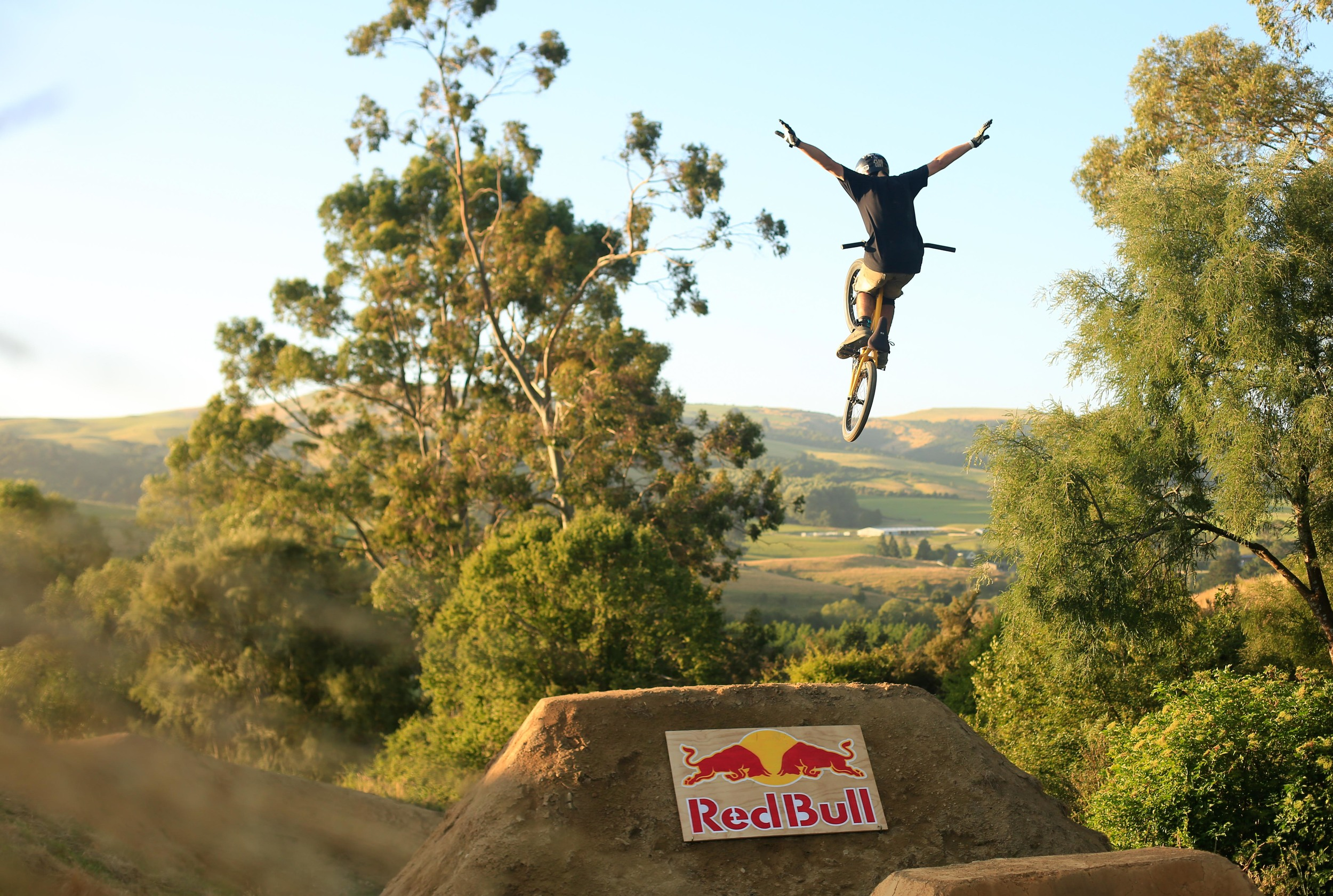 "Red Bull was the major Sponsor of the event, bringing some of the top BMX riders from around the world to the event, including Mike ""Hucker"" Clark, Kris Fox and Jayden Leeming. Red Bull also brought long their awesome Hummer with a DJ set-up in the back."