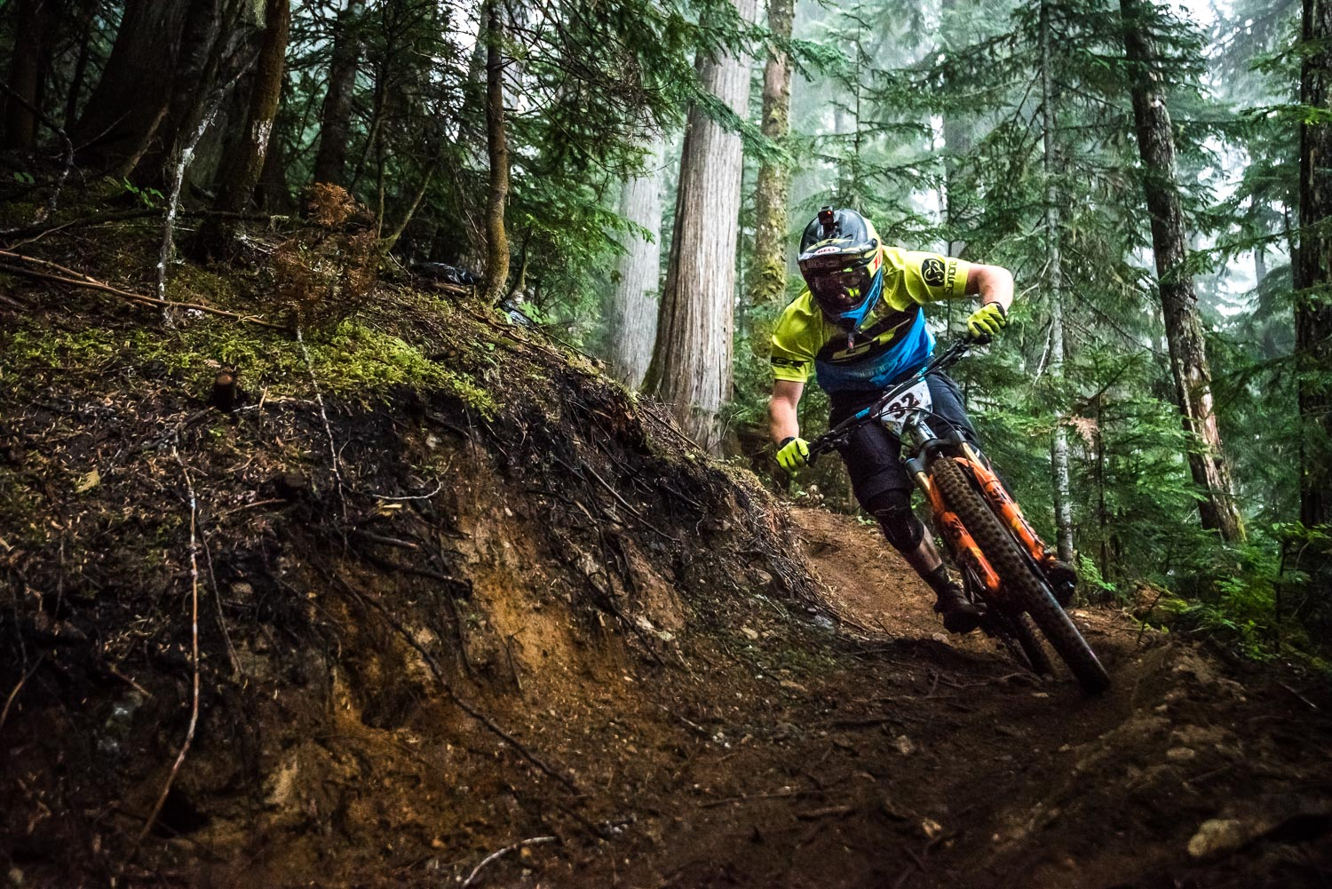 Wyn looking dialled in the loam.