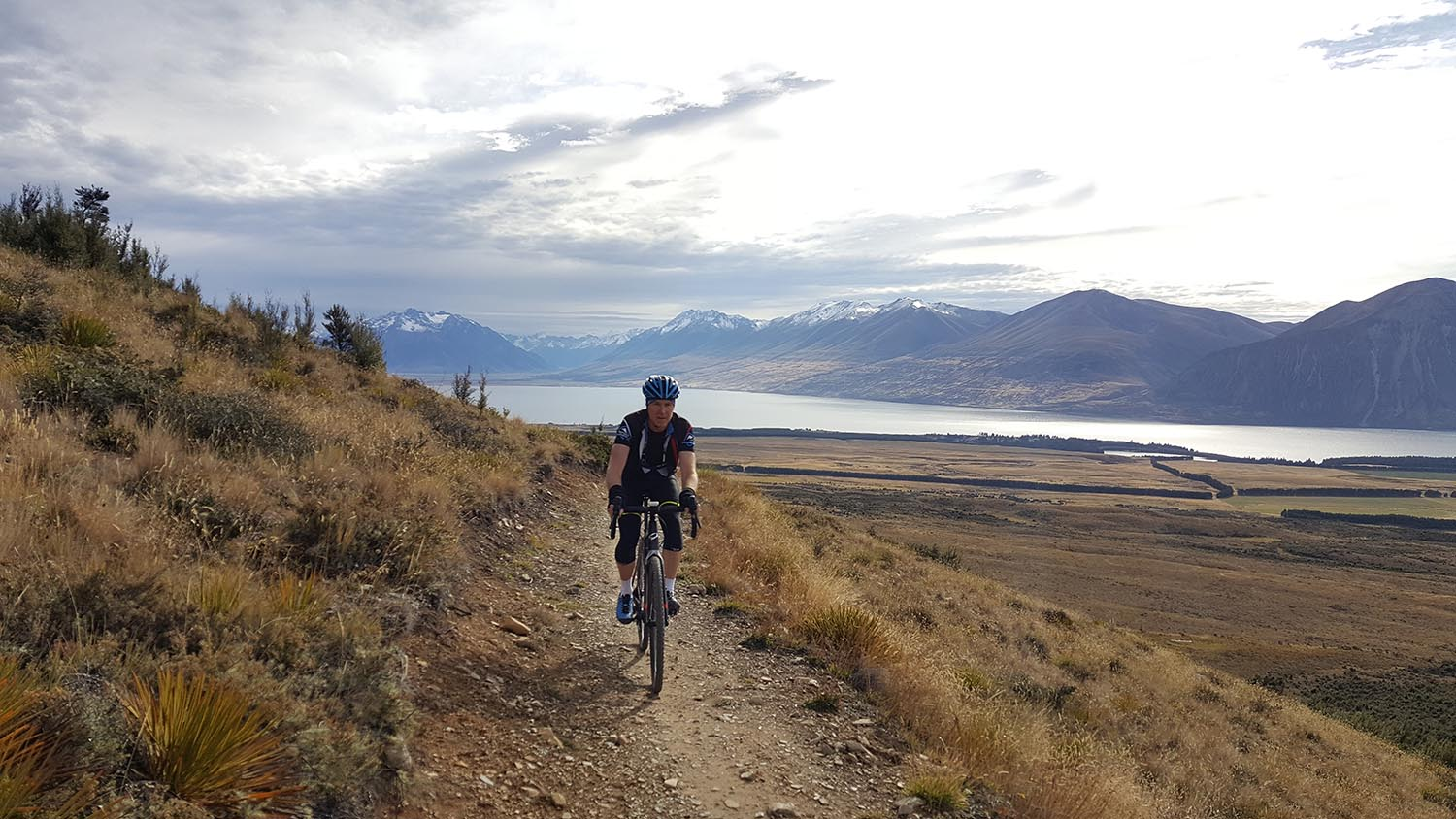 The A2O trail which winds its way from Ohau to Omarama is gravel bike perfection