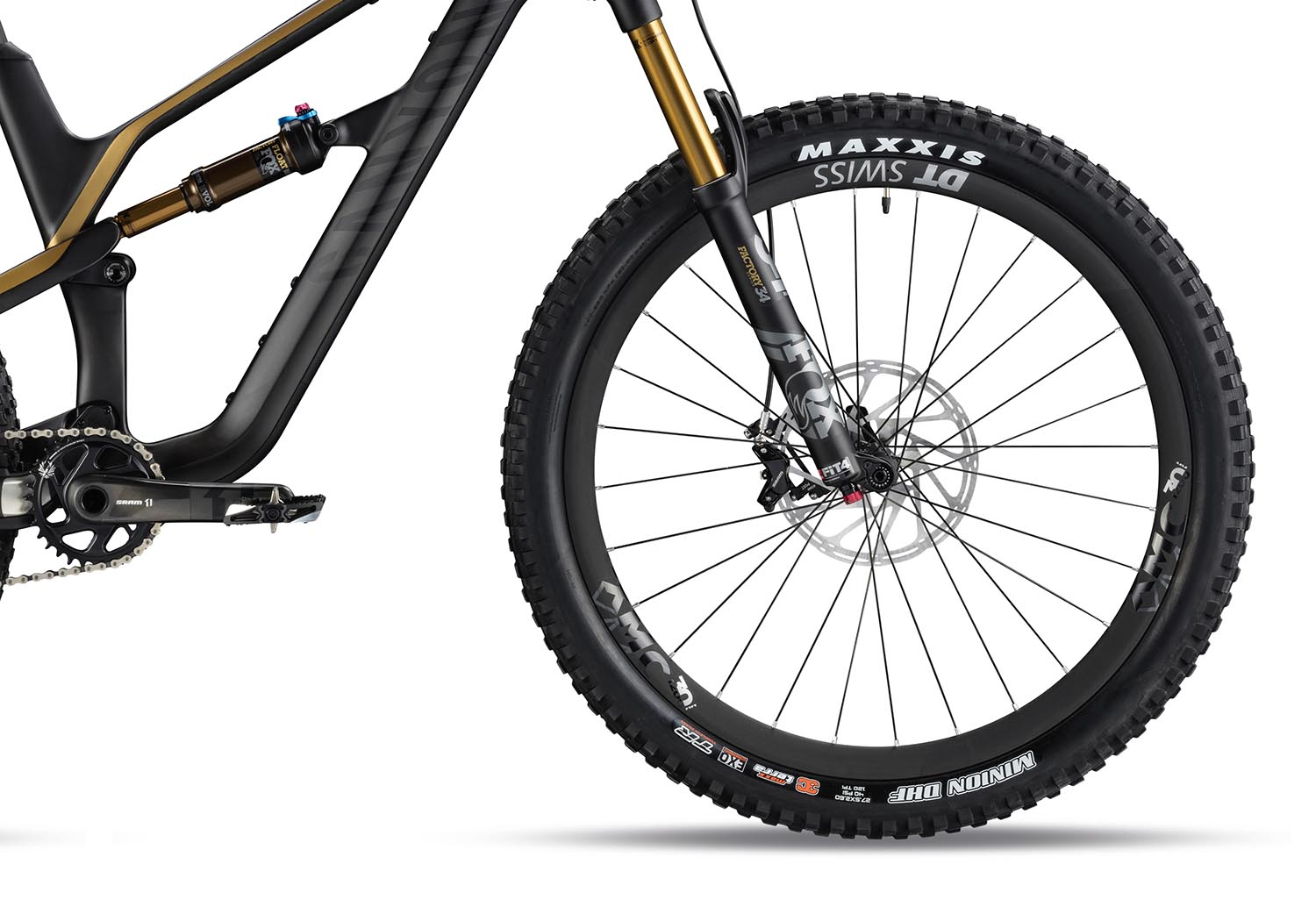 """Boost hubs, 30mm DT Swiss rims and Maxxis 2.6"""" tyres are the go-to on most models"""