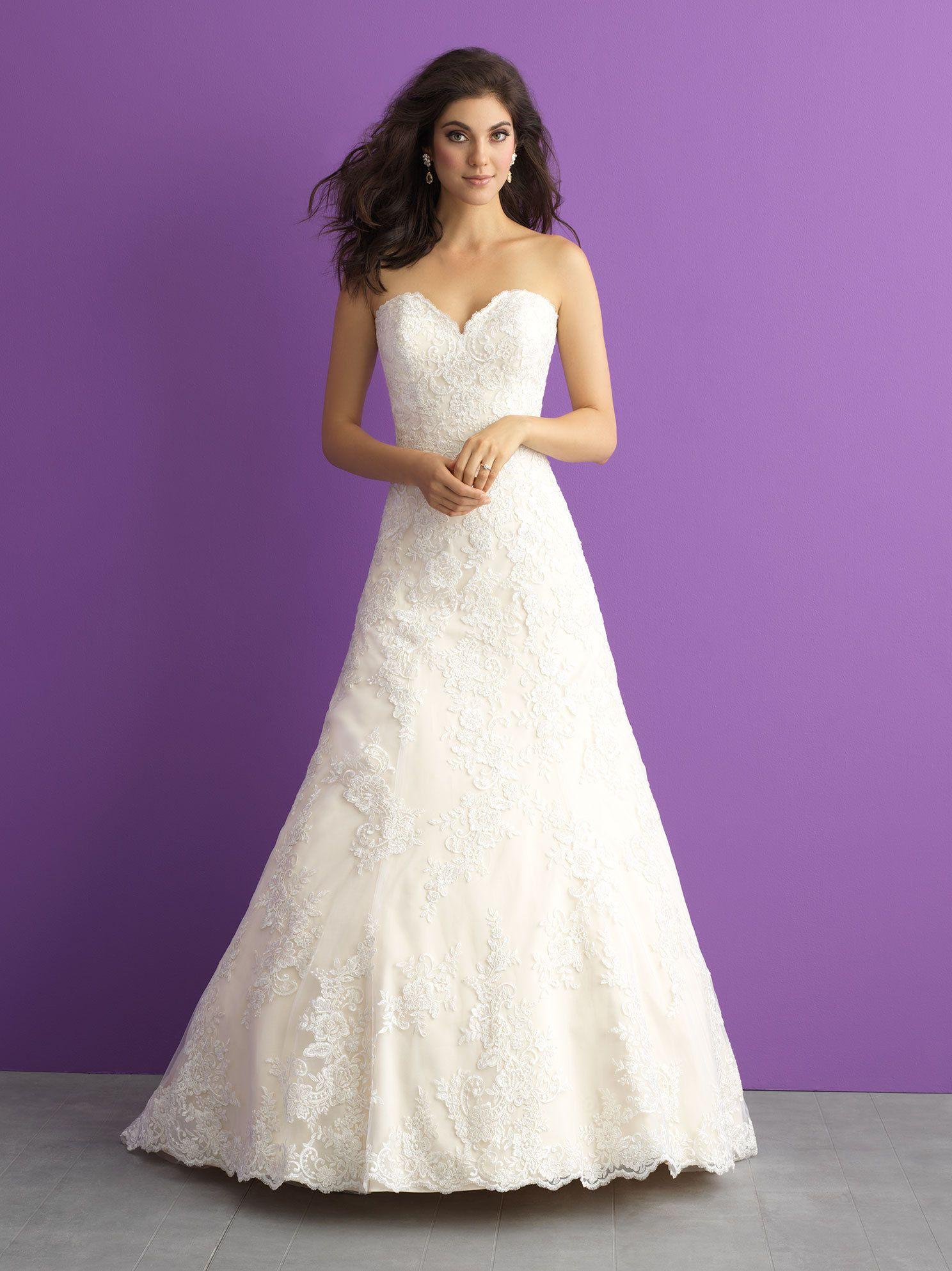 Style 3012 - Size 14/16Was £1600 Now £800