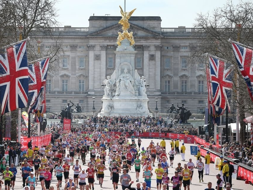 london marathon - London Bridge, Big Ben, Westminster Abbey and Buckingham Palace ring a bell? These iconic places are part of the famous London Marathon course, which is one of the most popular runs in the world and it's easy to see why.