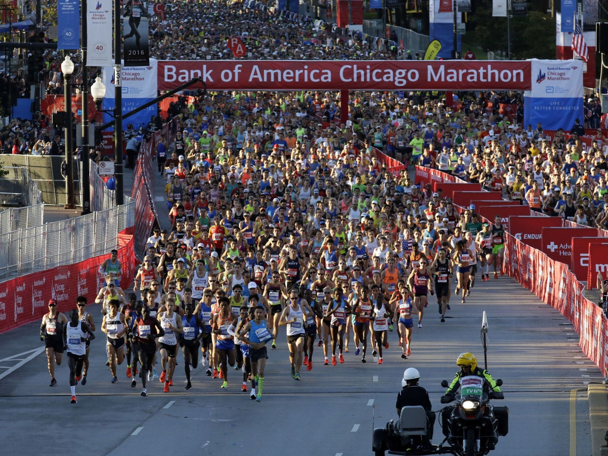 chicago marathon - The Chicago Marathon is one of the six World Marathon Majors. Run through 29 neighbourhoods and three of the major sporting stadiums on this fast course renowned for bringing out the personal best in many runners.