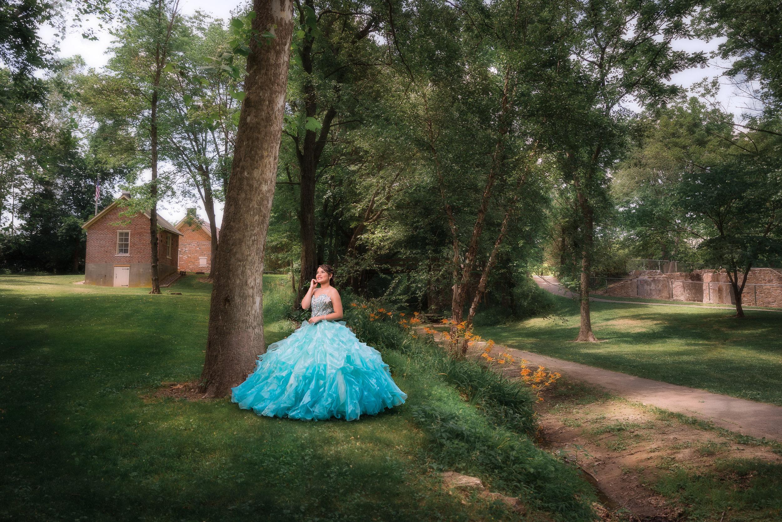 Garcia Photography se especializa en fotografía de quinceañeras en parque, paisajes, y locales hermosos en las ciudades de Reading, Lancaster, Allentown, Bethlehem y otros lugares en Pennsylvania, Nueva Jersey y Nueva York.