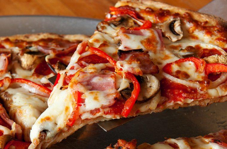 Lahaina_Pizza_Paradiso_Slice_Pepperoni_800x400-759x500.jpg