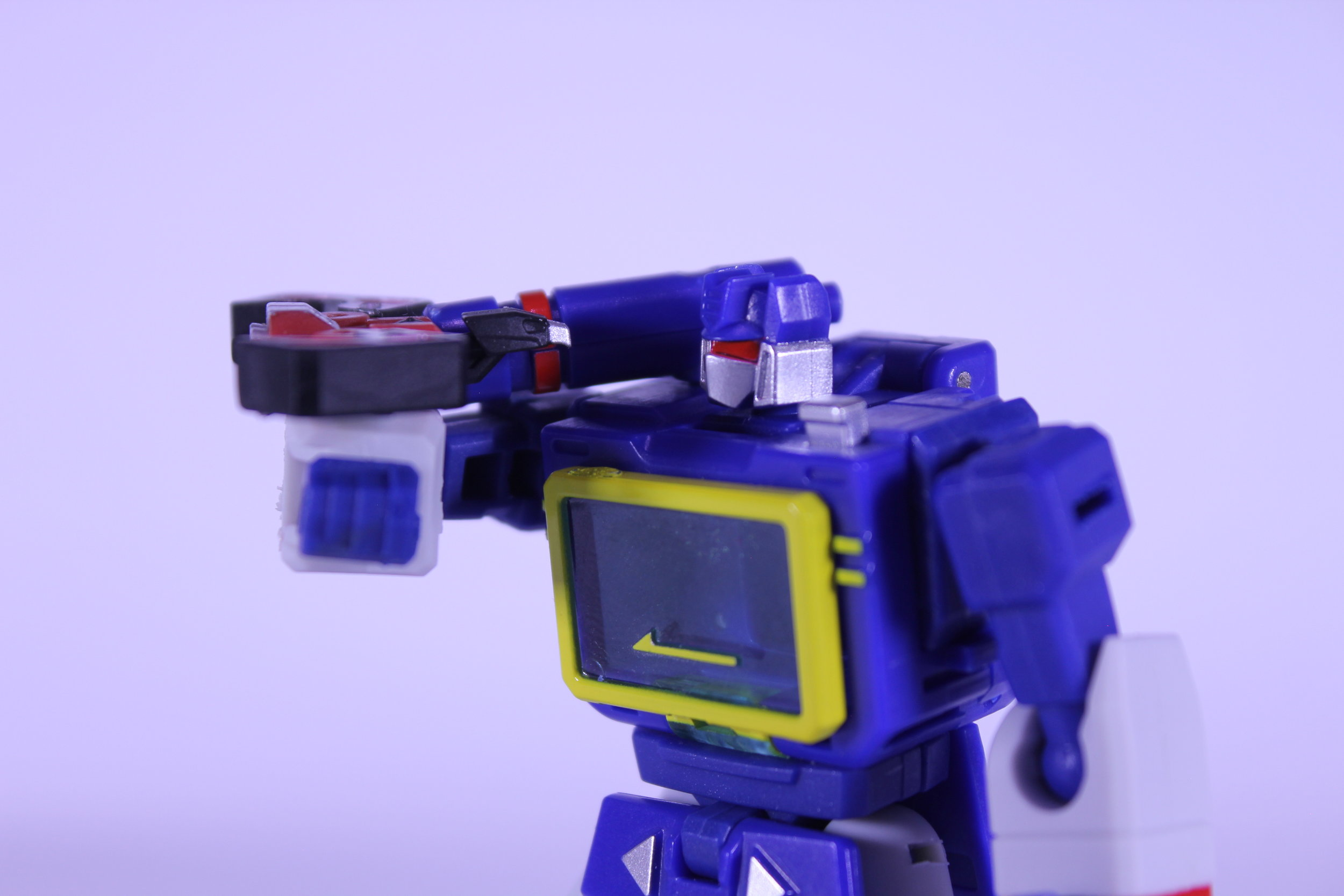 NOT Laserbeak Robot Mode