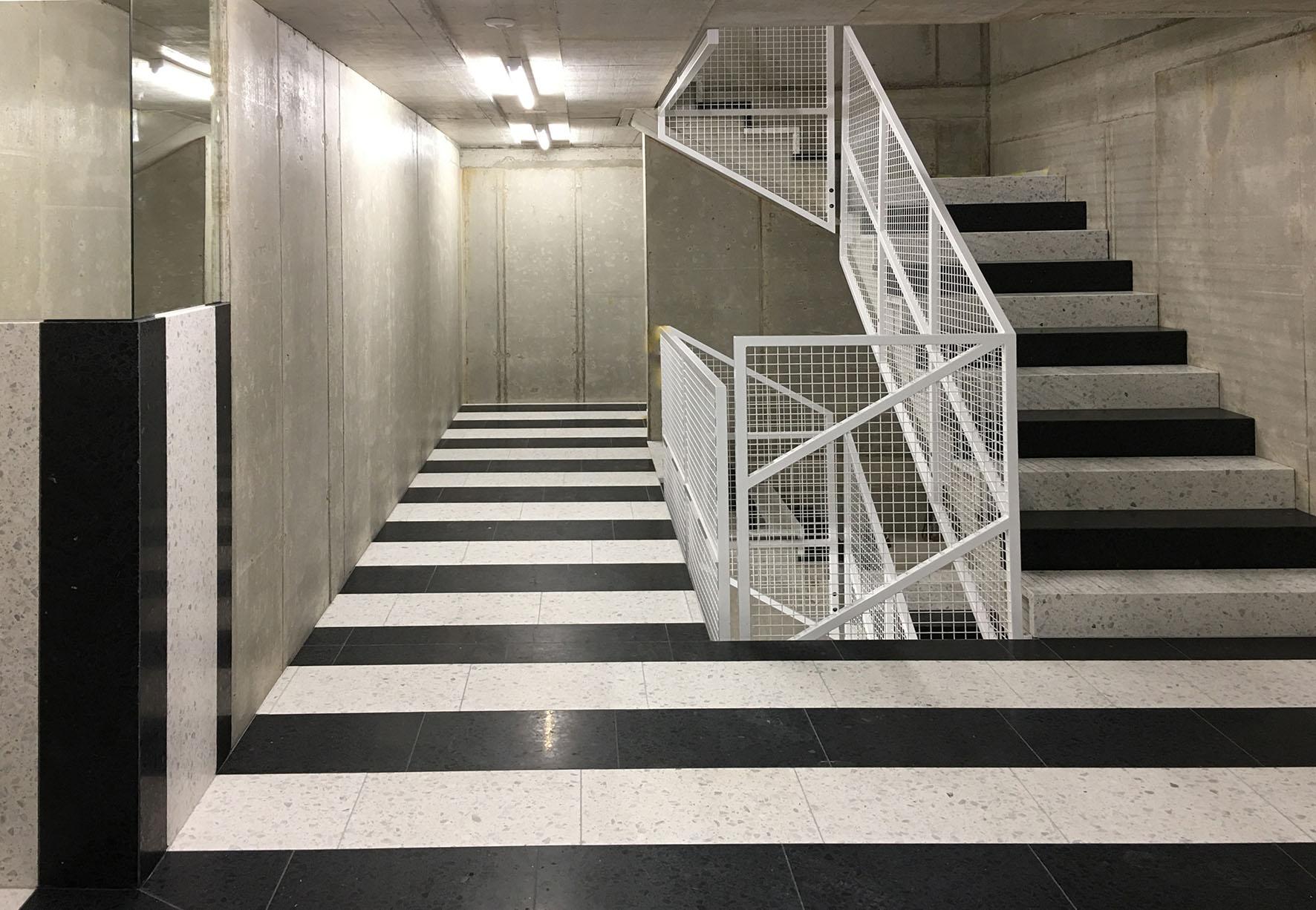 Treppen und Böden aus Kunststein