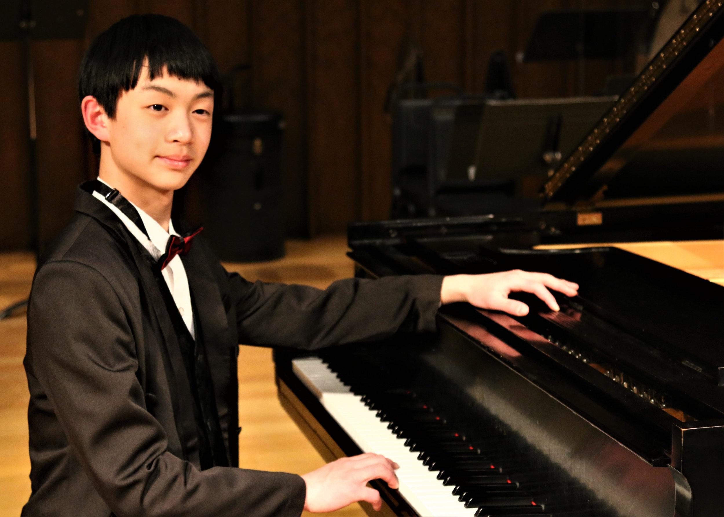 Edward Zhang, piano
